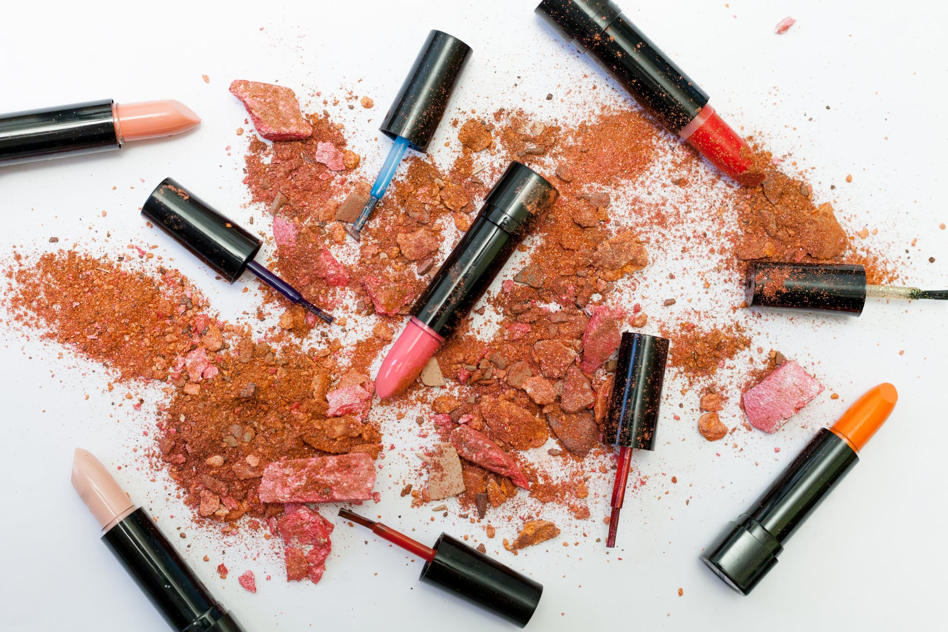 assorted cololr lipsticks